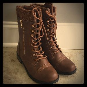 Forever combat boots like new